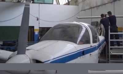 Profesional en el mantenimiento de aeronaves.